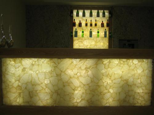 Bar in Classic Quartz back llt